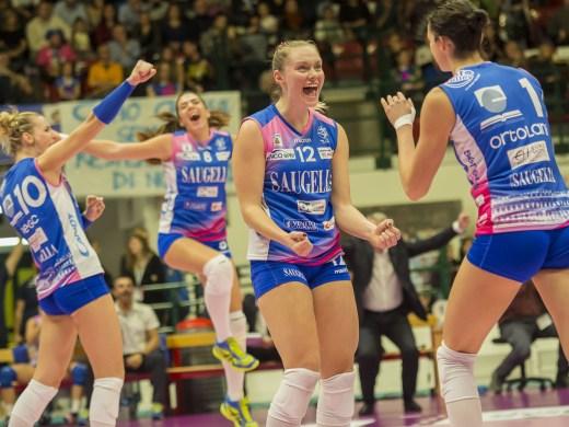 Apoteosi Saugella Team Monza: Novara battuta 3-2 alla Candy Arena