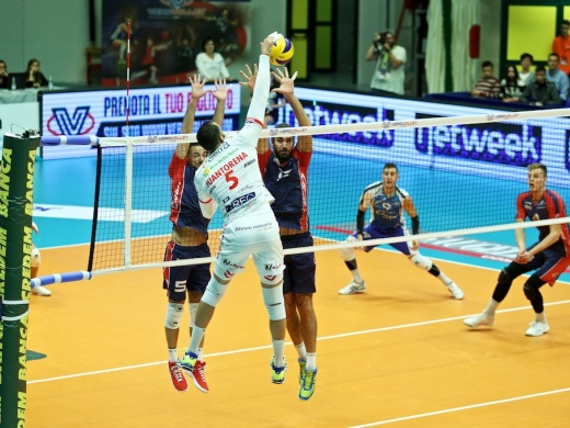 Una strepitosa Vero Volley Monza cede solo al tie break contro Civitanova