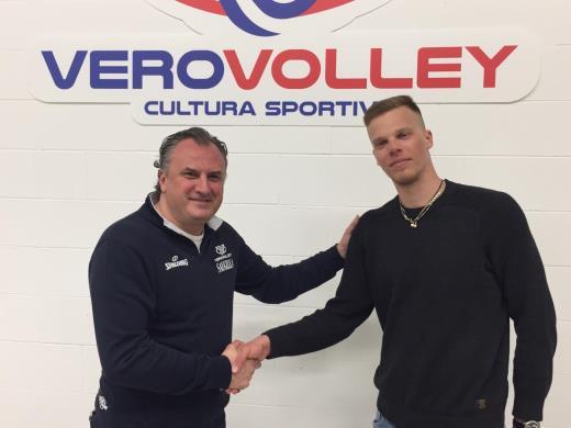 Donovan Dzavoronok in maglia Vero Volley Monza per altre due stagioni